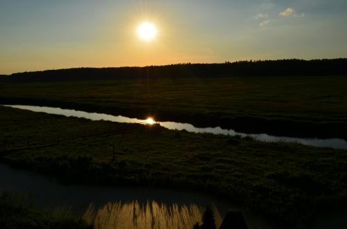Zachód słońca nad Narwią - widok z okna