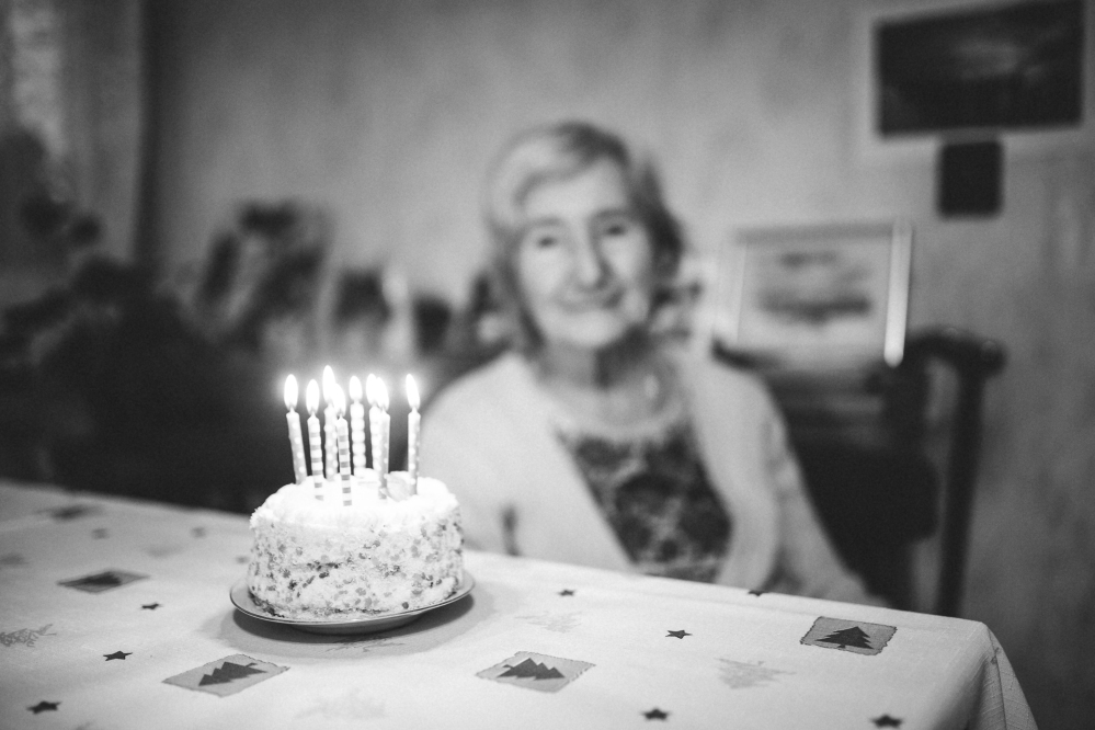 kaboompics.com_Happy Birthday Grandma
