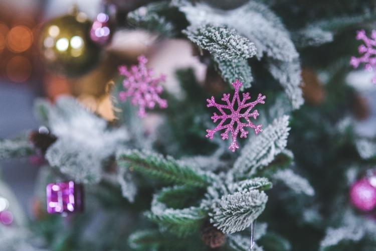 kaboompics.com_Pink Snowflake. Christmas Tree Decoration
