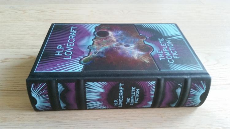 Jeśli dostało się od Mikołaja TAKIEGO Lovecrafta - nie ma wyjścia i trzeba czytać :D